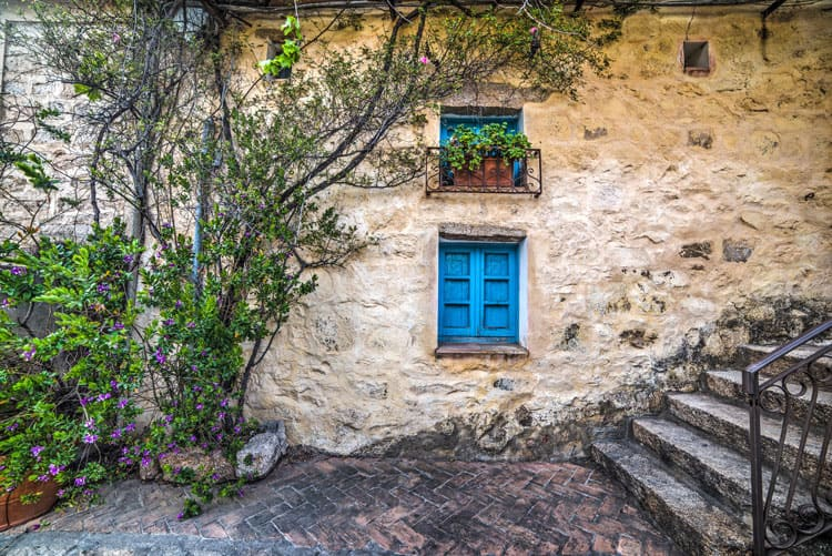 Dorf San Pantaleo - Sardinien
